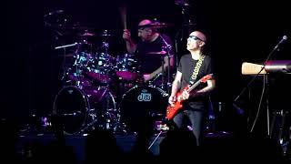 G3 - Joe Satriani - Super Funky Badass (Crocus City Hall, Moscow, Russia, 16.03.2018)