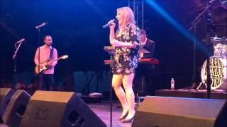 Garami Funky Staff feat. Tóth Vera - Bikás park live (2017. 05. 28.)